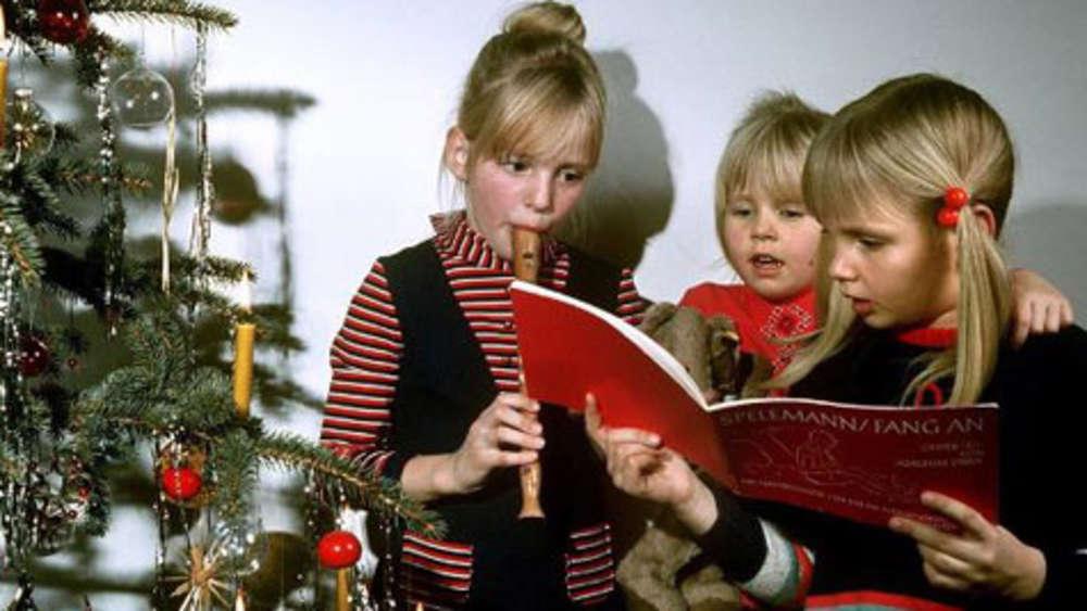 Tannenbaum Singen.Hormone Unterm Tannenbaum Weihnachtliches Singen Macht Fit Und