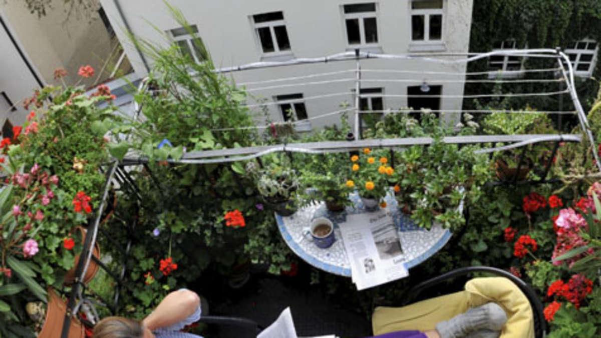 mieterrechte auf dem balkon wohnen. Black Bedroom Furniture Sets. Home Design Ideas