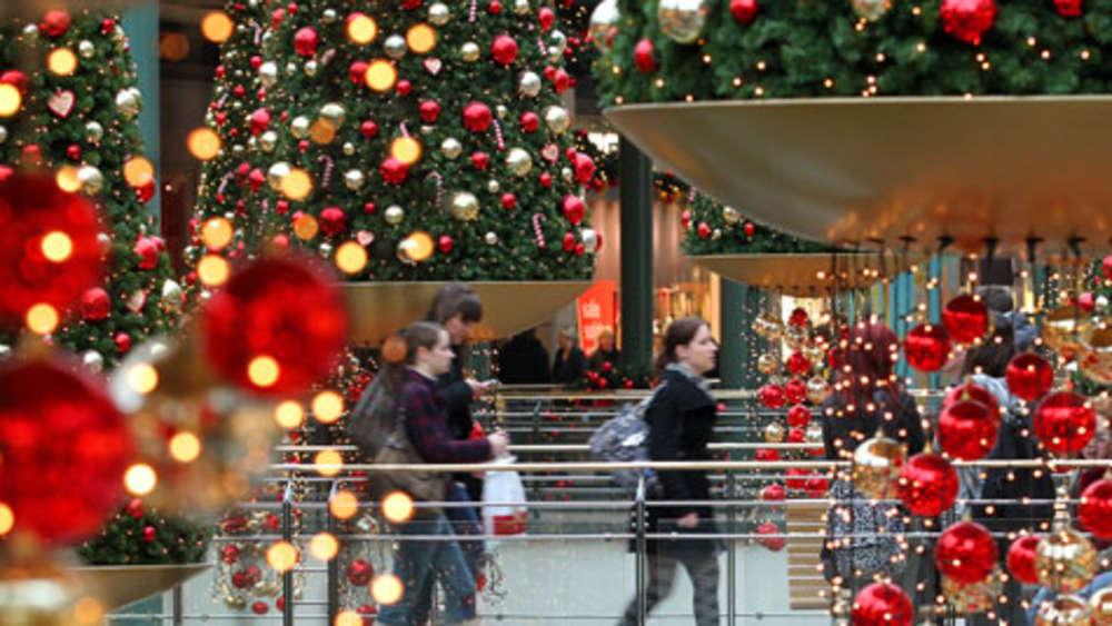 Studie: So shoppen die Bayern zu Weihnachten | Leben