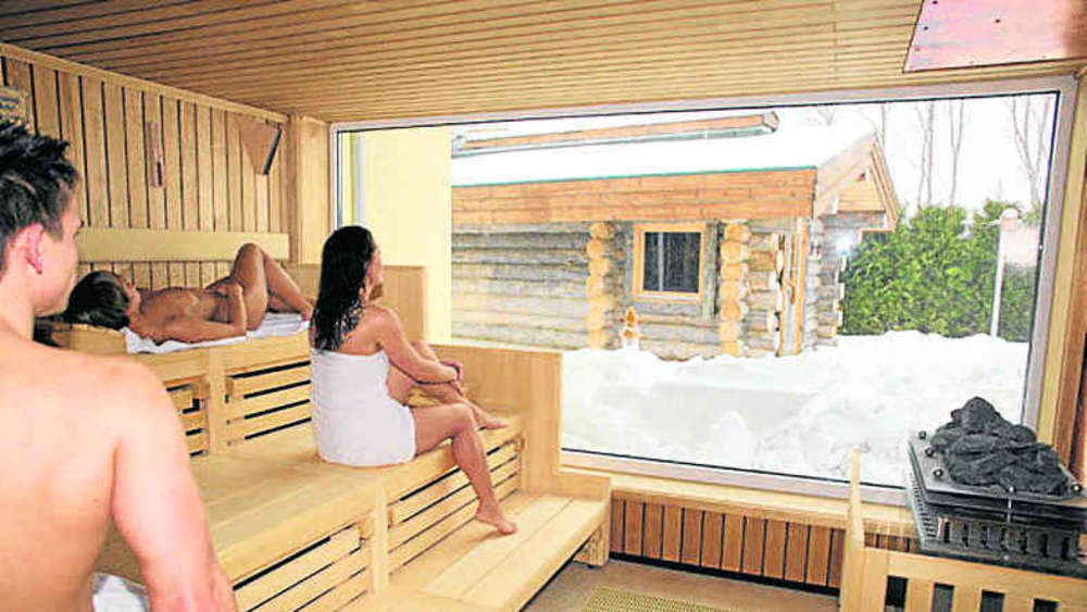 sauna ideen f r den wellenberg blockhaus oder dorf. Black Bedroom Furniture Sets. Home Design Ideas