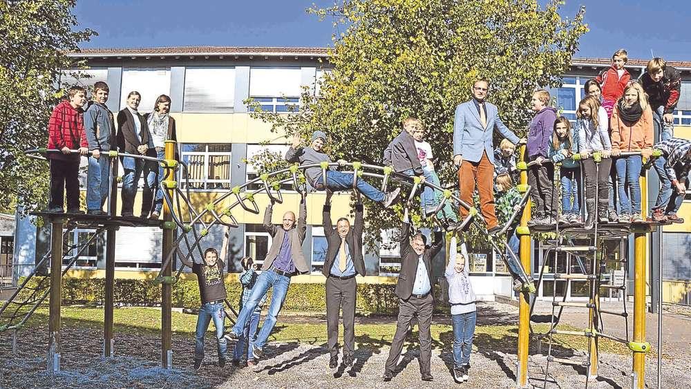 Klettergerüst Mit Netz : Peitinger mittelschüler lieben das neue klettergerüst schongau