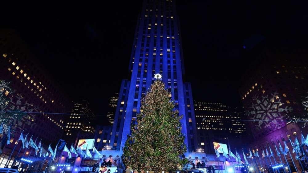 Weihnachtsbaum Rockefeller Center.Weihnachtsbaum Am Rockefeller Center Leuchtet Wieder Welt