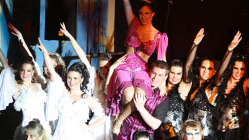 Fasching international beim Ball des Dachauer THW