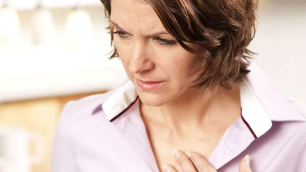 Sodbrennen So Werden Sie Das Unangenehme Aufstoßen Los Gesundheit
