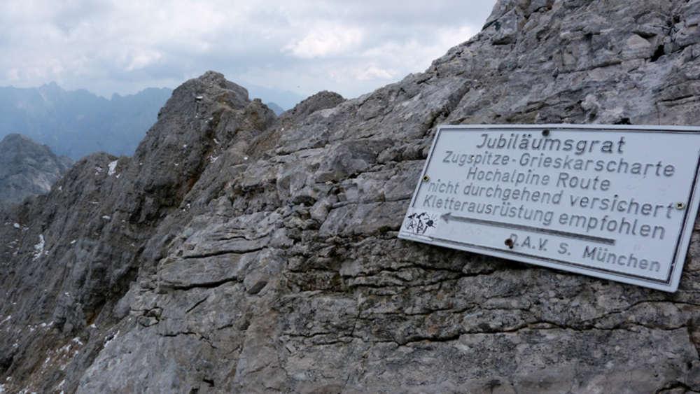 Kletterausrüstung München : Jubiläumsgrat: kaputte schuhsohle bergsteiger mit heli gerettet