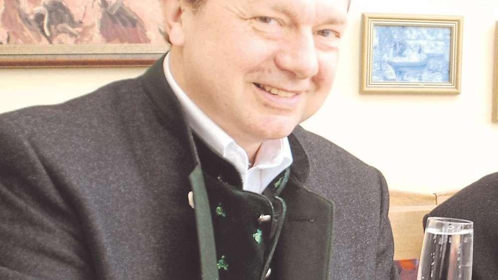 Schön Bürgermeister Feiert Seinen 50. Geburtstag
