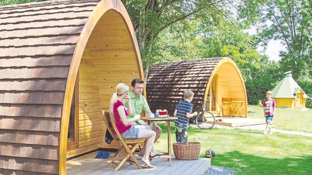 auch im schongauer land campen im holzfass schongau. Black Bedroom Furniture Sets. Home Design Ideas