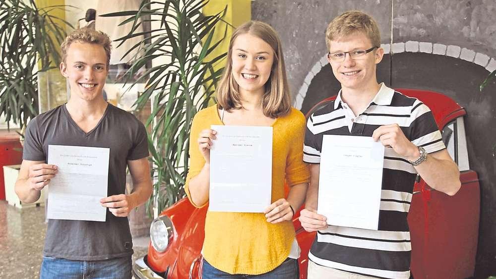 Haar Nach Traumnote 10 Im Abitur Folgt Die Führerscheinprüfung