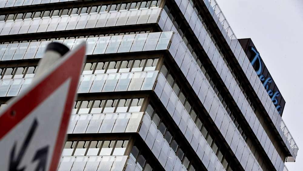 Datenaffare Razzia Bei Debeka Versicherung Wirtschaft