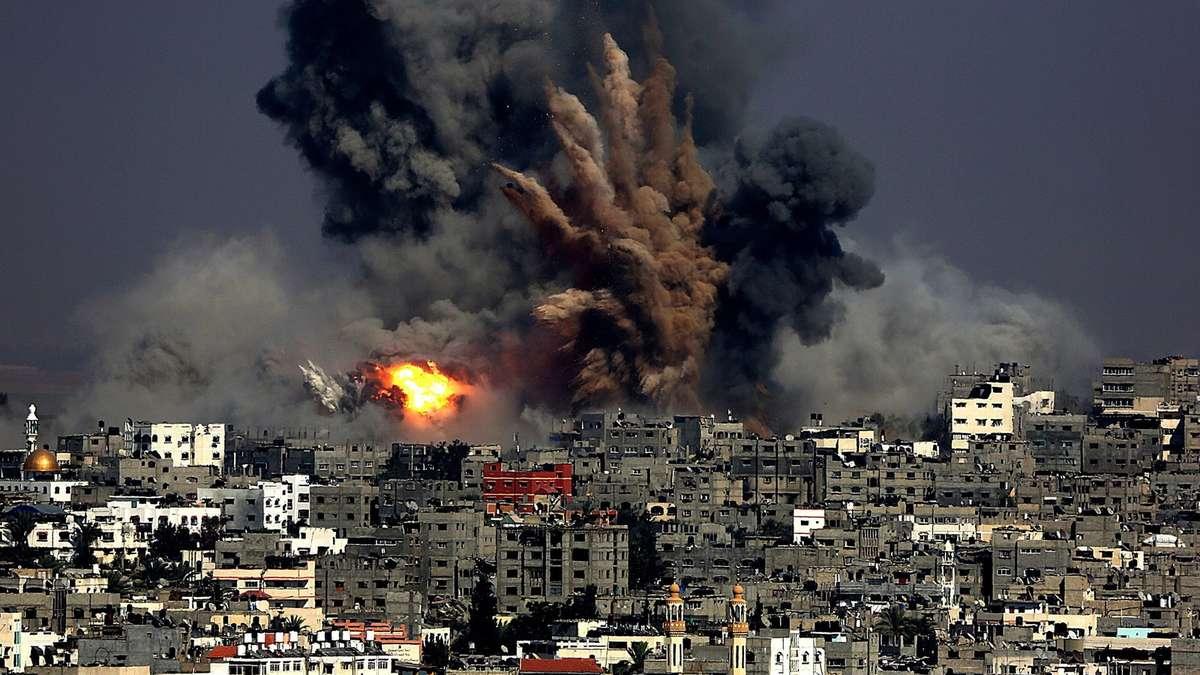 Gazastreifen: Rakete trifft Schule - viele Tote | Politik