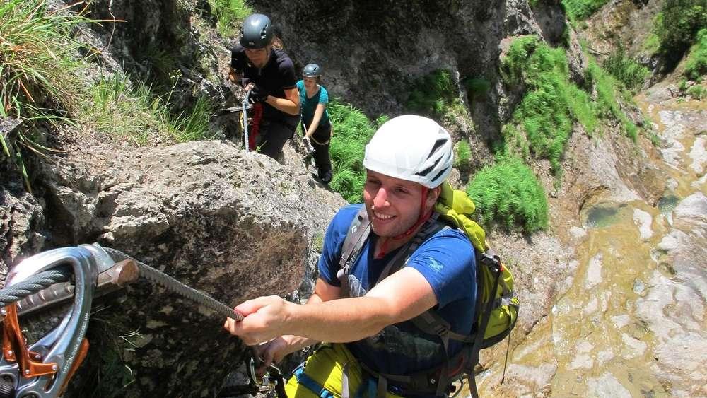 Klettersteig Fall : Klettersteig im chiemgau am hausbachfall klettern aktiv