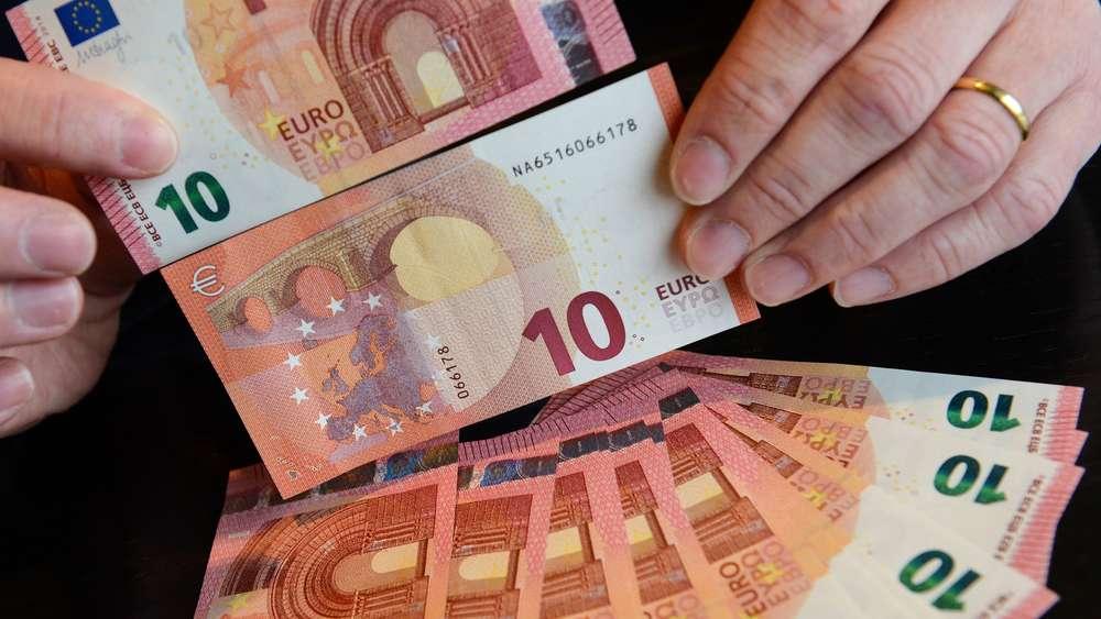 Neuer 10 Euro Schein Kommt Automaten Umgestellt Wirtschaft