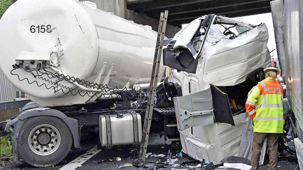 Unfall auf A99: Kurz vor Riesen-Katastrophe | München ...
