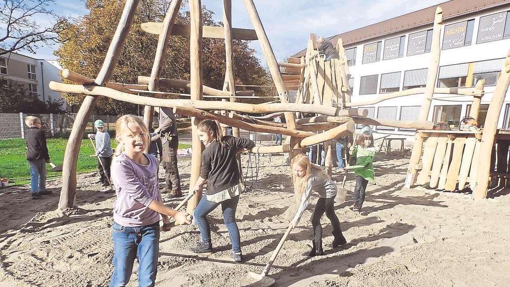 Klettergerüst Bauen : Kinder bauen ihr klettergerüst fürstenfeldbruck