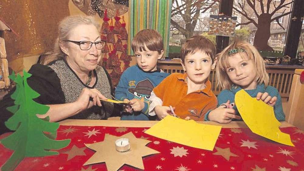 Christkind Bilder Weihnachten.Weihnachten Im Kindergarten Christkind Per Beamer Lkr Starnberg