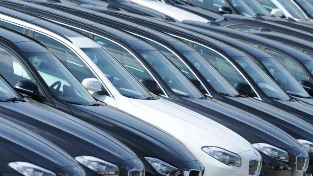 Betroffen waren BMW, die seit März 2010 mit dem Vernetzungs-System ConnectedDrive ausgeliefert wurden. Foto: Tobias Hase/Archiv