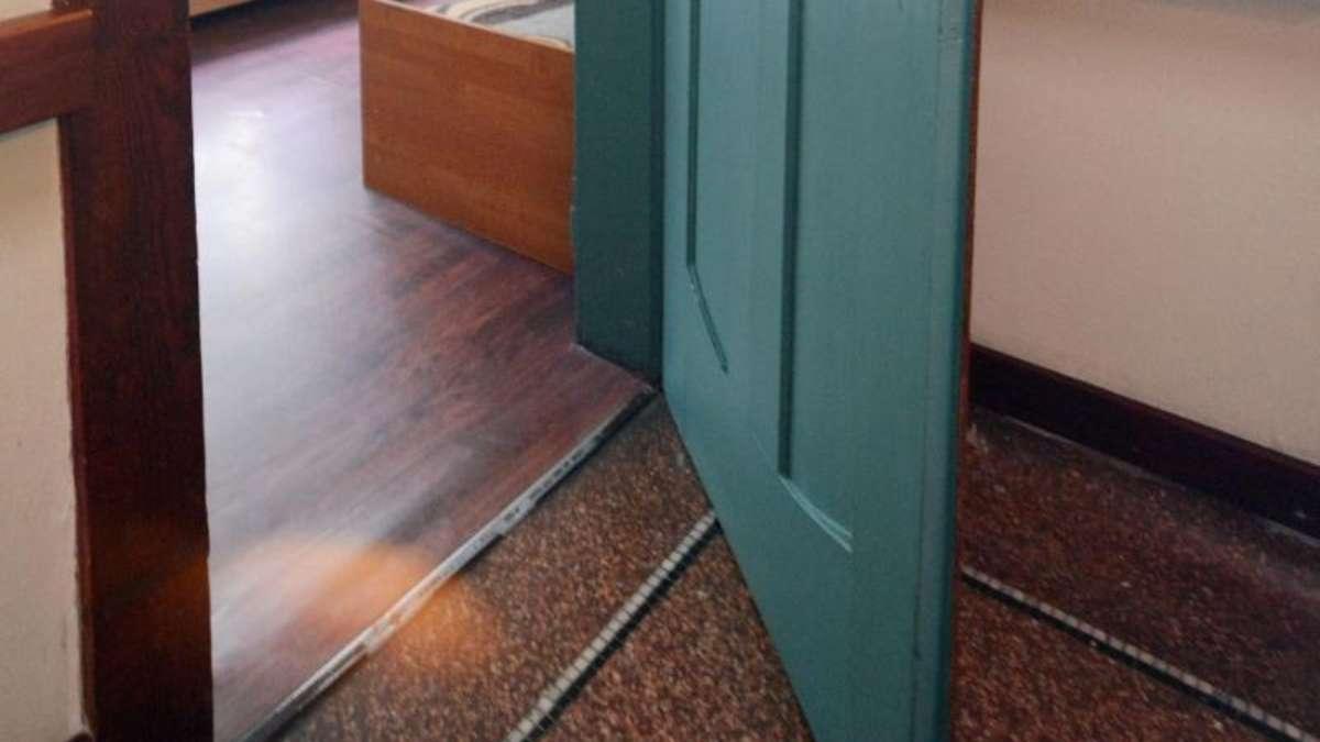bei schleifender t r den winkel des t rblatts ver ndern wohnen. Black Bedroom Furniture Sets. Home Design Ideas