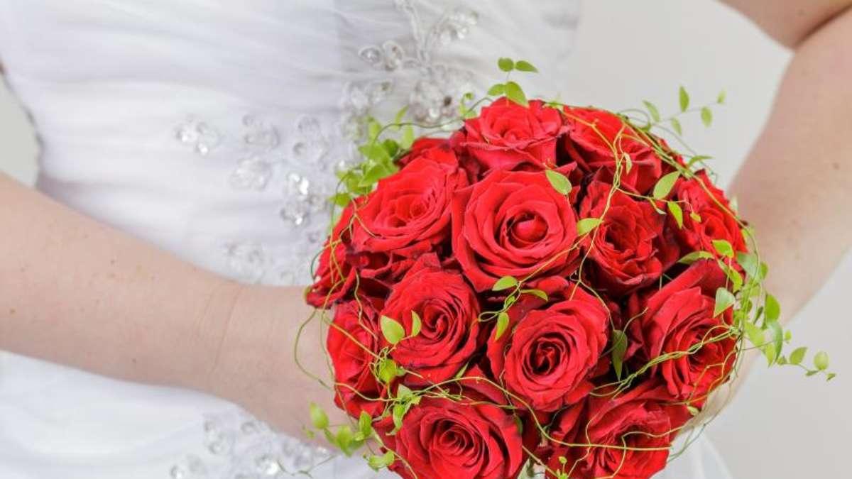 Vorsicht Bei Rot Gestaltungstipps Fur Brautstrausse Leben