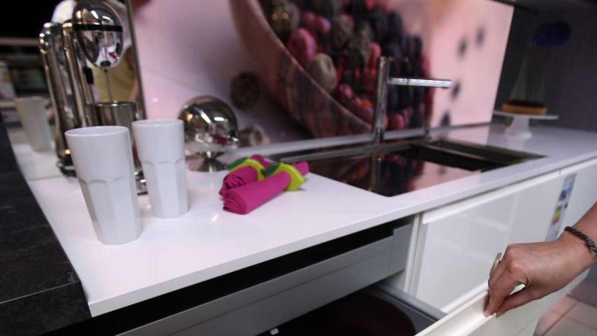 einbauk che und garten was f r viele zum traumhaus geh rt. Black Bedroom Furniture Sets. Home Design Ideas