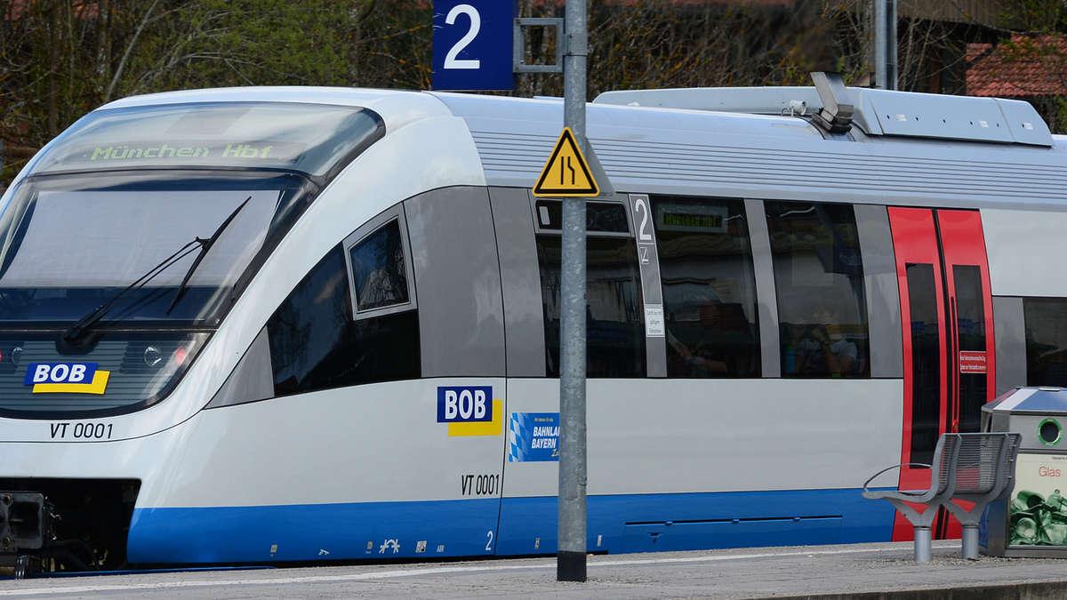 Vor verschlossener tür  BOB: Im Zug vor verschlossener Tür | Bad Tölz