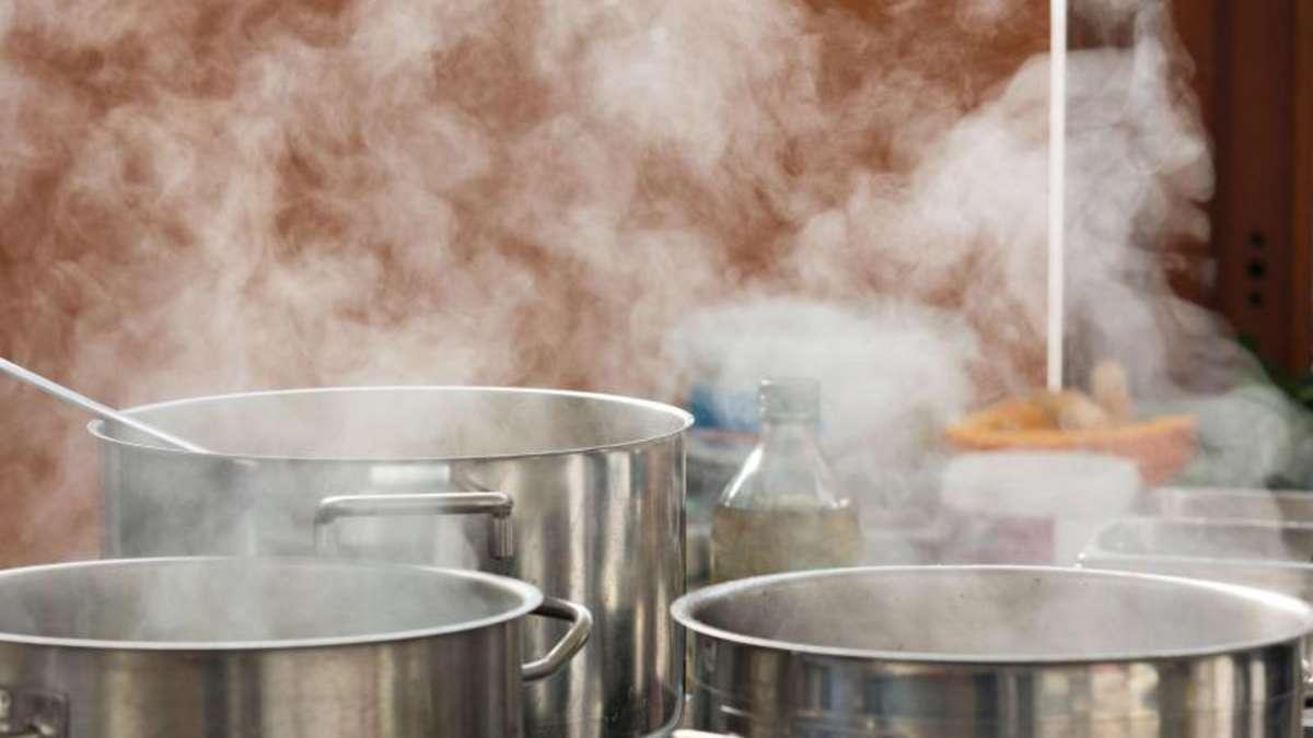 Kondenswasser an Küchenschränken immer abwischen   Wohnen