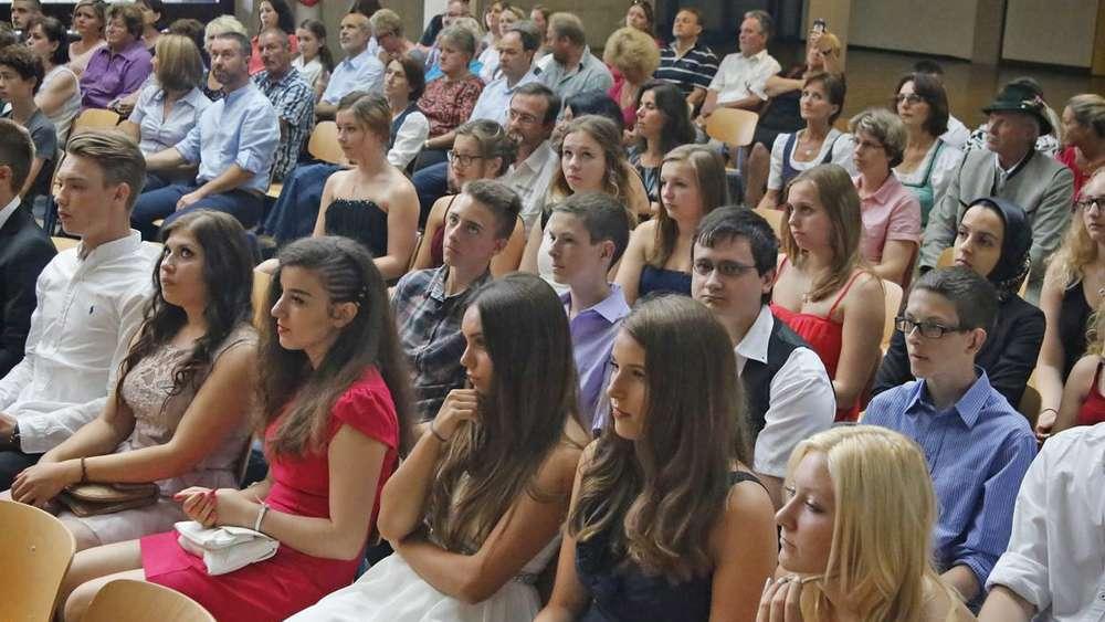 Entlassfeier An Der Geretsrieder Mittelschule 2015 Geretsried