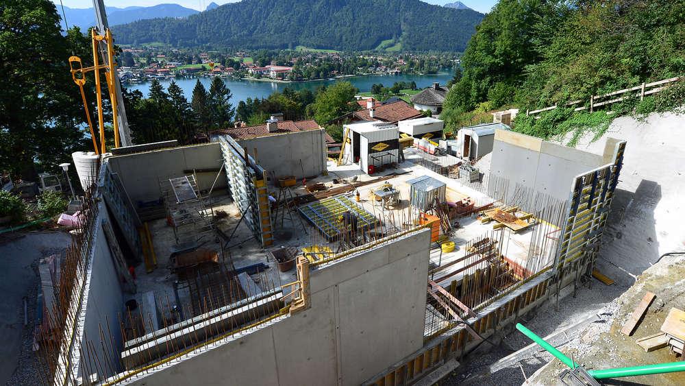Haus bauen baustelle  Manuel Neuer am Tegernsee: Unmut über Bau seiner Villa | Tegernsee