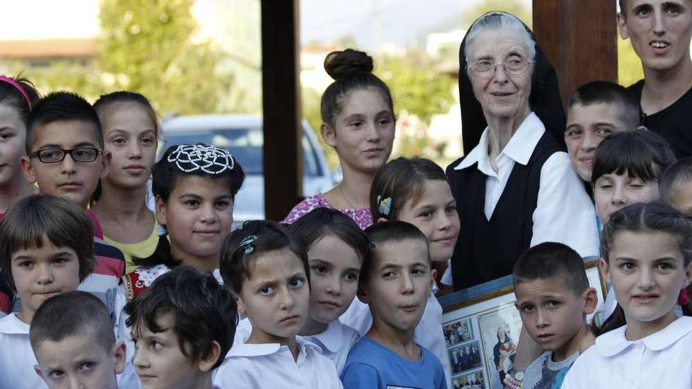 Albanienhilfe Weilheim: Zwei Schwestern gehen, zwei kommen | Weilheim