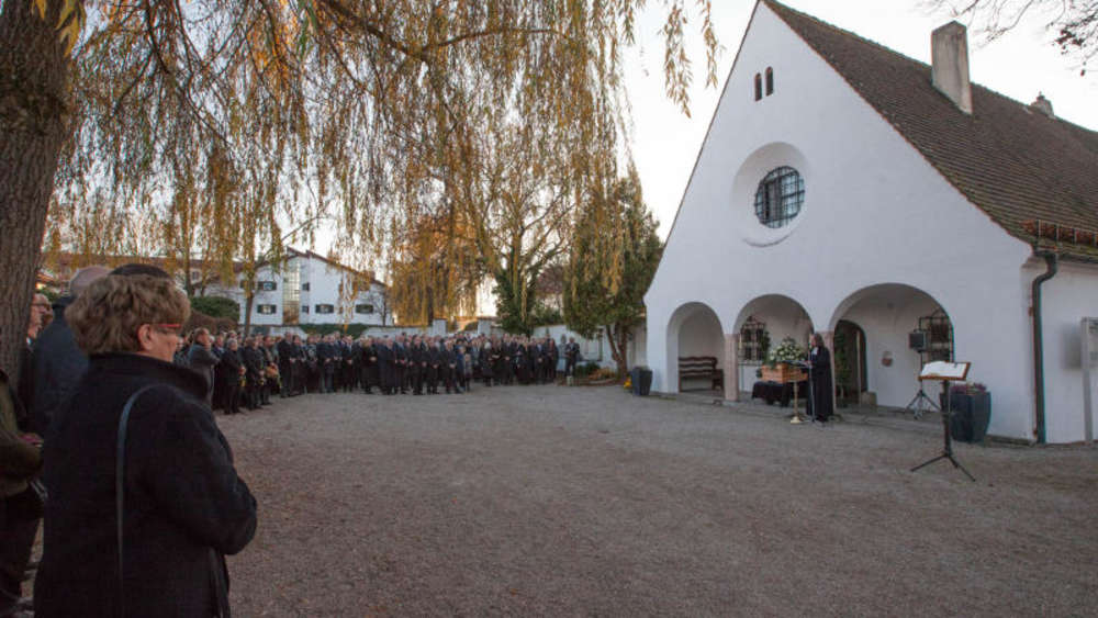 Beisetzung Des Leiters Vom Haus Der Bayerischen Landwirtschaft In