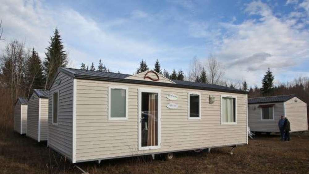 Unterkunft im Reichersbeurer Gewerbegebiet: Mobile Homes für ...