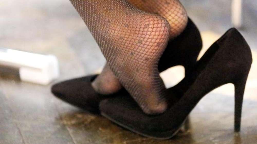 c4c474ade2cf1 So weit die Füße tragen: Wenn Pumps und Pantoffeln schaden | Gesundheit
