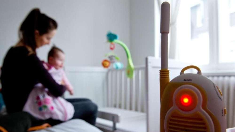 kameras apps und babyfone die kleinsten sicher. Black Bedroom Furniture Sets. Home Design Ideas