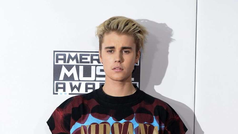 Justin Bieber im Teenie-Look bei den American Music Awards in Los Angeles, Foto; Mike Nelson Foto: Mike Nelson
