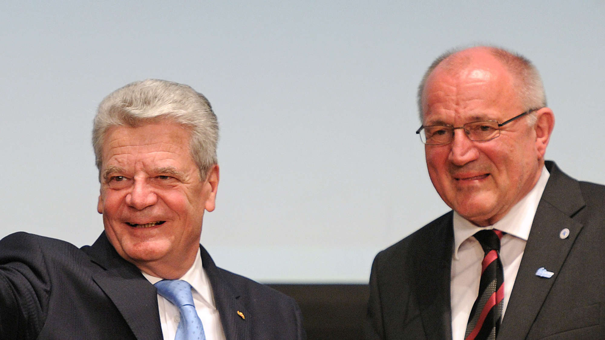 Kinderschutzbund: Gauck soll Asylpaket II stoppen | Politik
