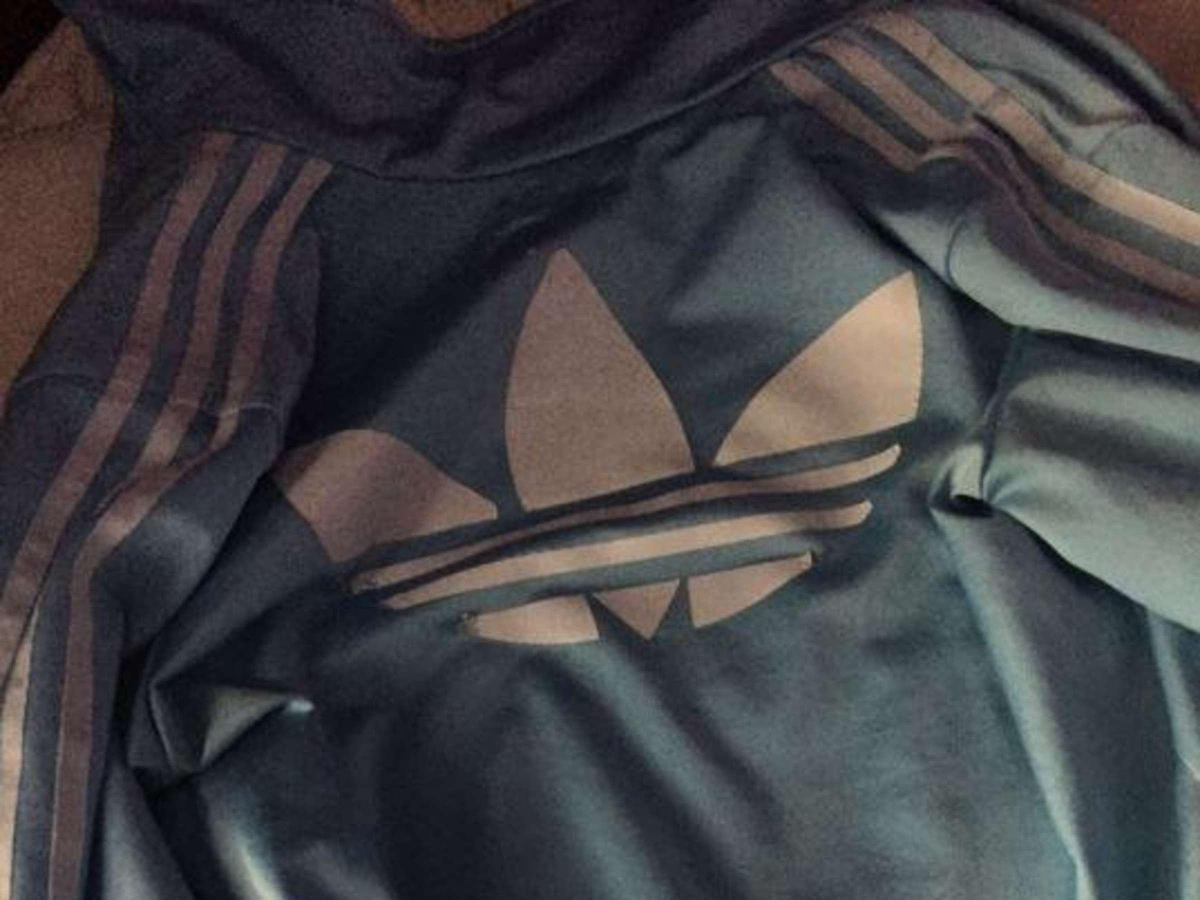 strittige ansichtssache: welche farbe hat diese jacke