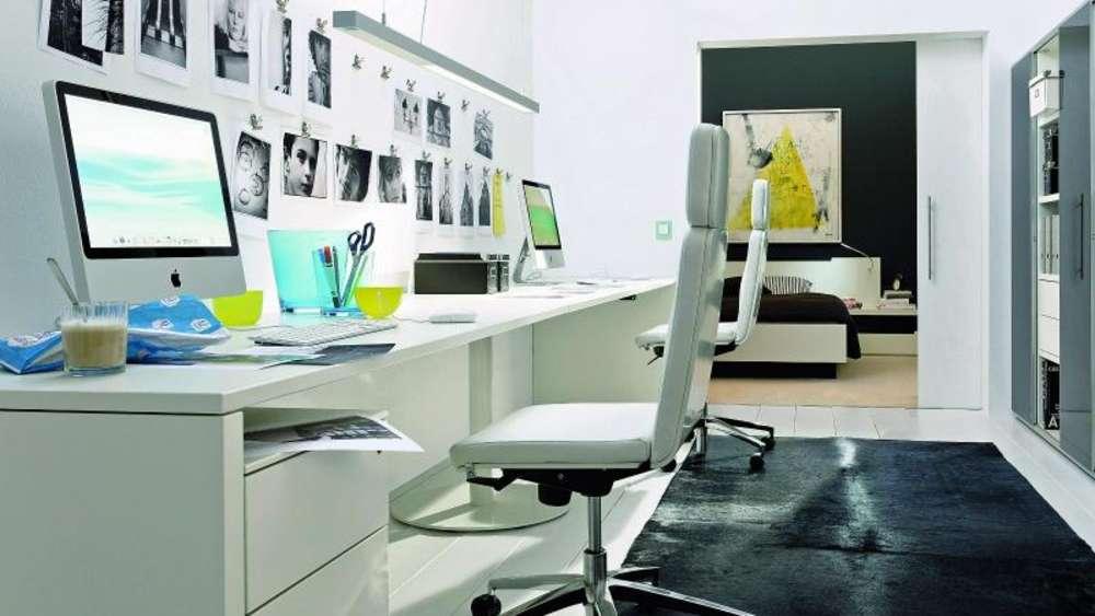 Uberlegen Home Office Einrichtung: Weißer Schreibtisch Schont Augen