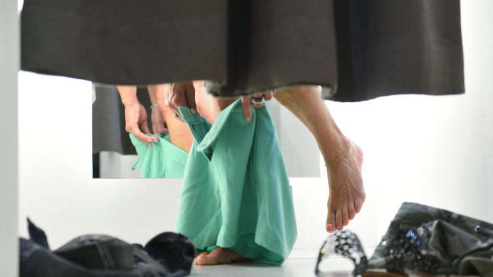 Neue kleider waschen