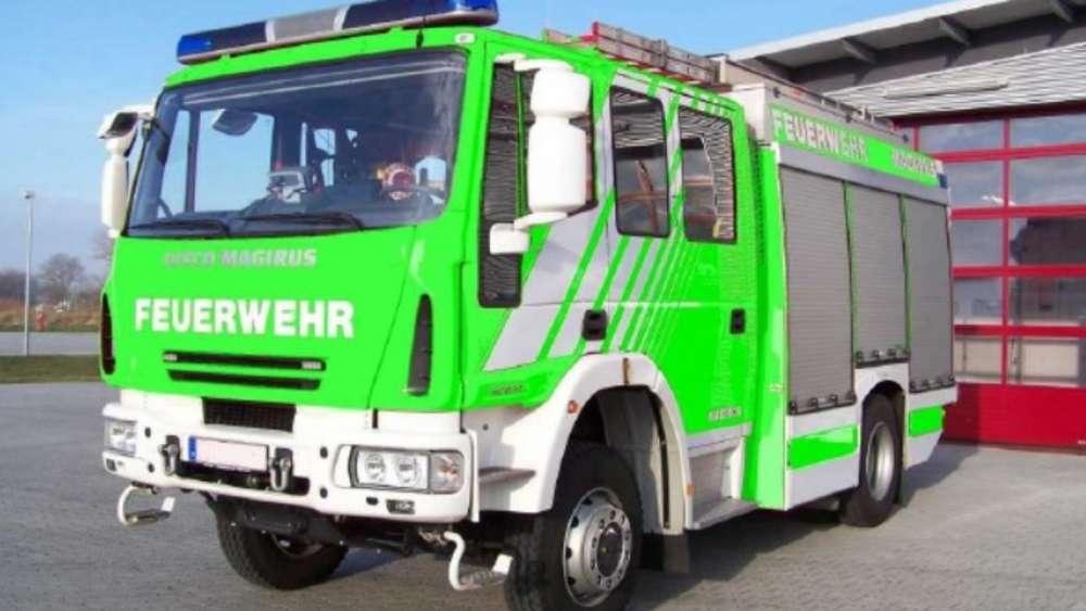 Zum 1 April Olching Kauft Grünes Feuerwehrauto Fürstenfeldbruck