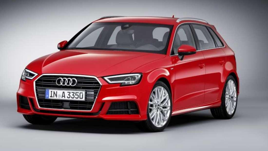 Der renovierte A3 kommt als Drei- und Fünftürer, Limousine und Cabrio ab 23300 Euro im Sommer zu den Händlern. Foto:Audi