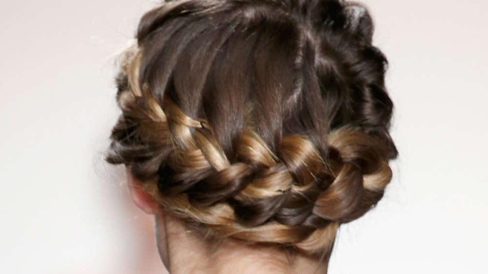 Haarausfall Vielleicht Liegt Es An Ihrer Frisur Gesundheit