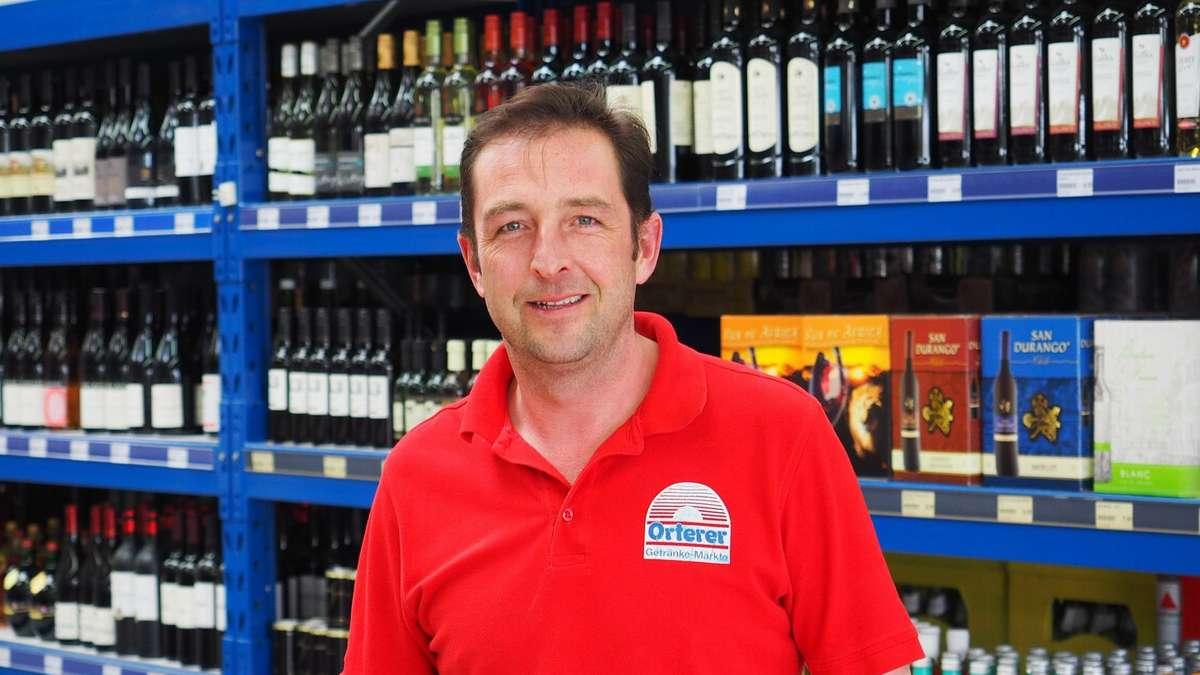 Poing - Alexander Schneider, Leiter des Orterer-Getränkemarktes in ...