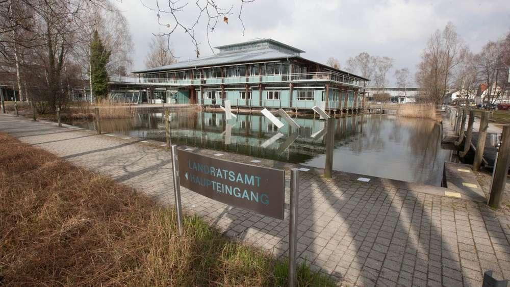 Landratsamt Starnberg Sonne macht Anbau teurer | Starnberg