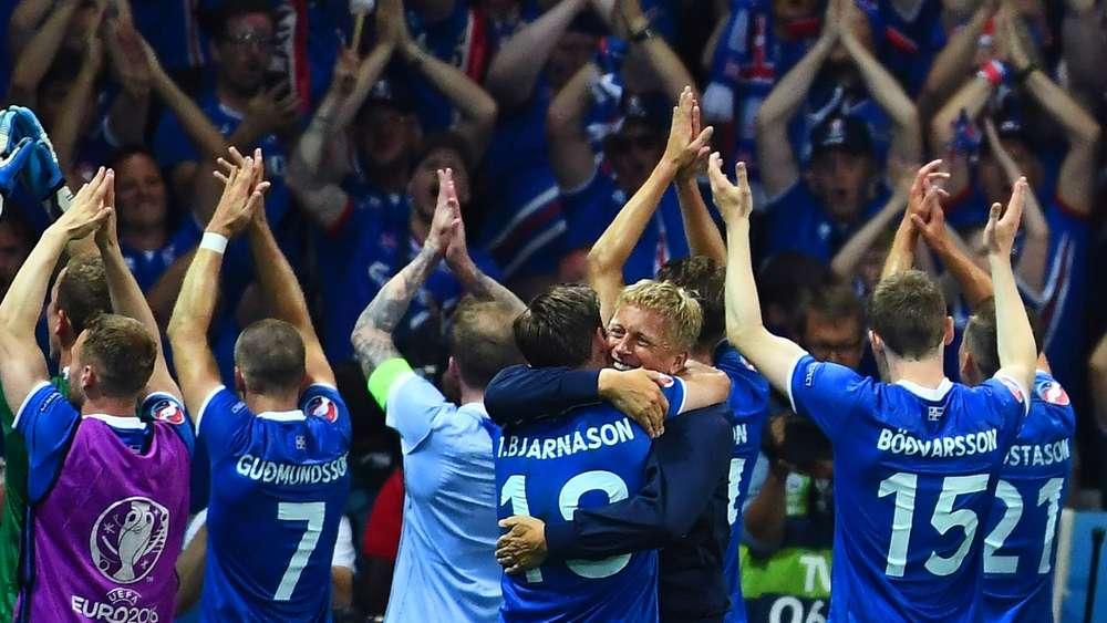 Em 2016 Isländischer Erstligist Schickt Team Zum Anfeuern Nach