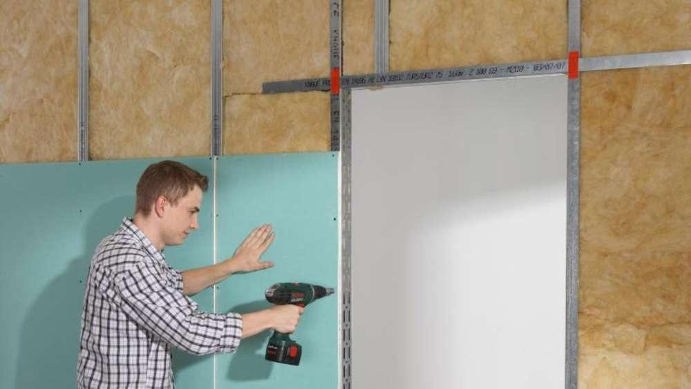 einfach und sauber eine trockenbauwand selber hochziehen wohnen. Black Bedroom Furniture Sets. Home Design Ideas