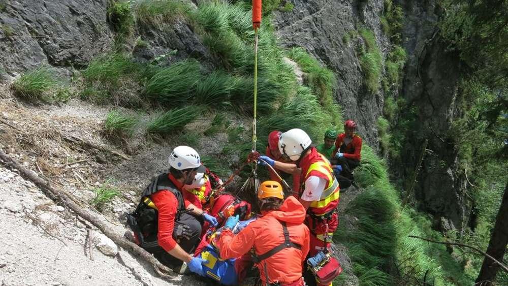 Klettersteig Unfall 2018 : Mann aus dorfen stürzt in klettersteig meter tief und stirbt