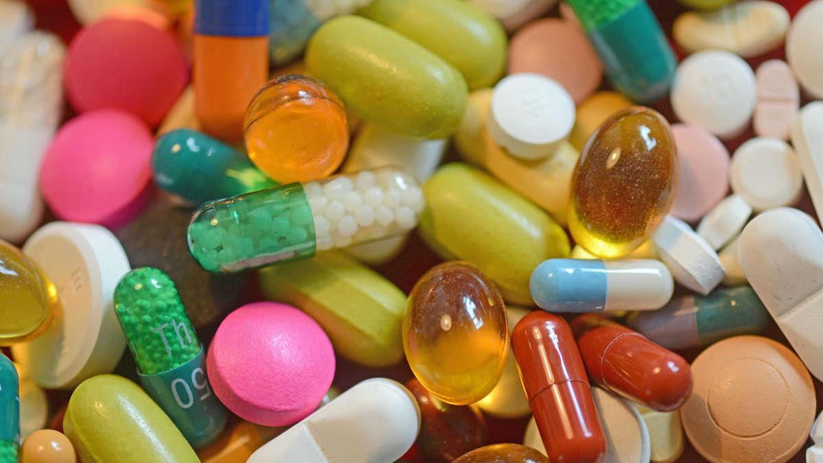 Ärztin verschreibt Patienten Tabletten-Überdosis