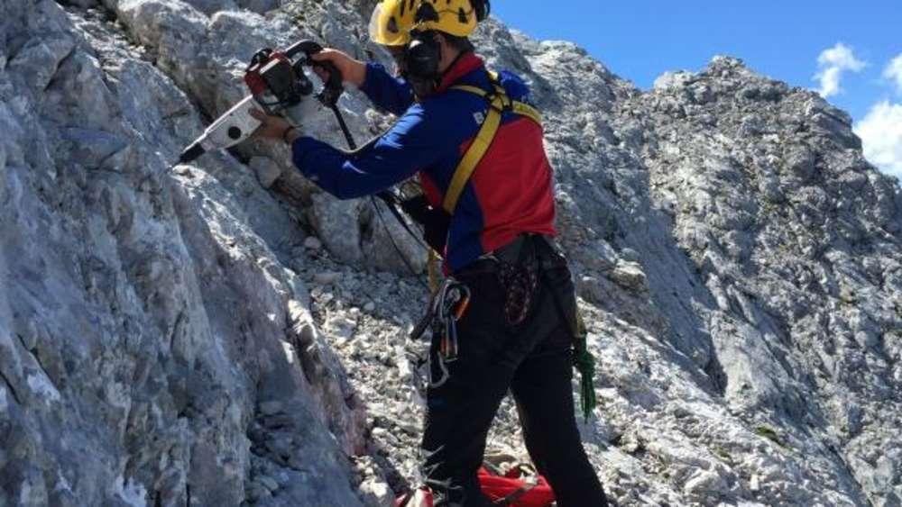Klettersteig Ferrata : Alpspitz klettersteig ferrata: bergsteiger stürzt 150 meter tief