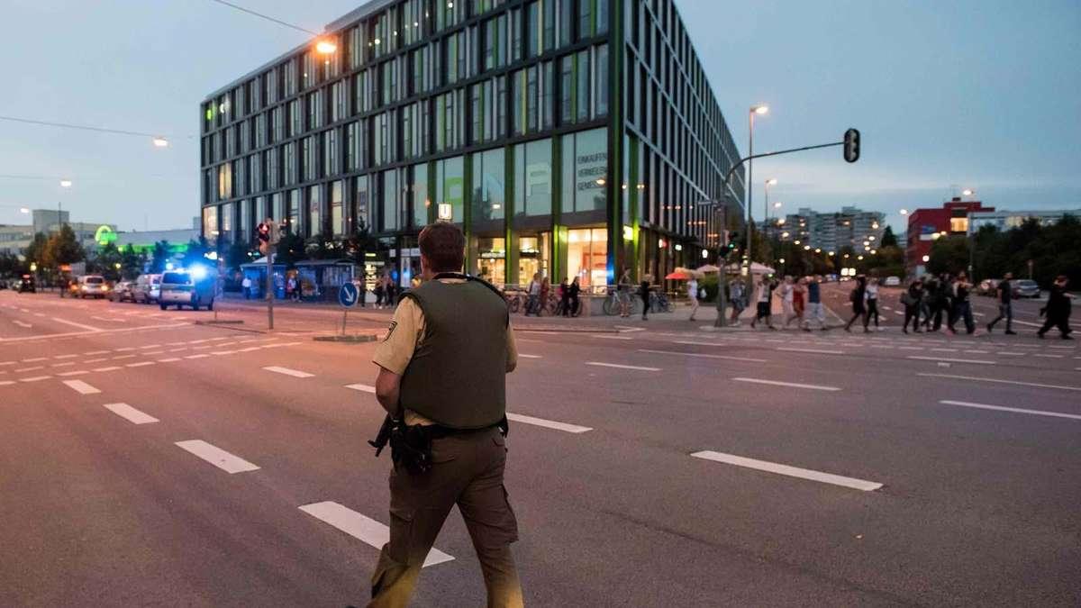 Schüsse In Münchner Einkaufszentrum