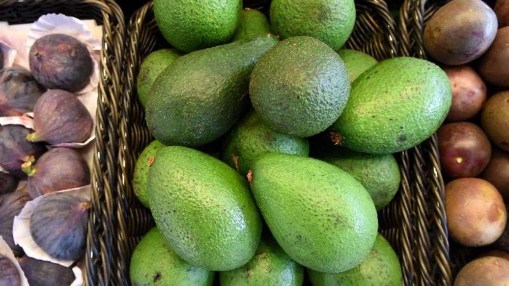einfacher trick avocado reift durch pfel nach genuss. Black Bedroom Furniture Sets. Home Design Ideas