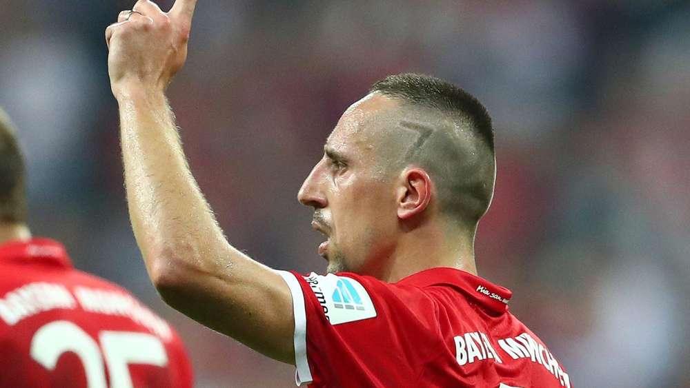 Fc Bayern Munchen Franck Ribery Sorgt Mit Neuer Frisur Fur Lacher